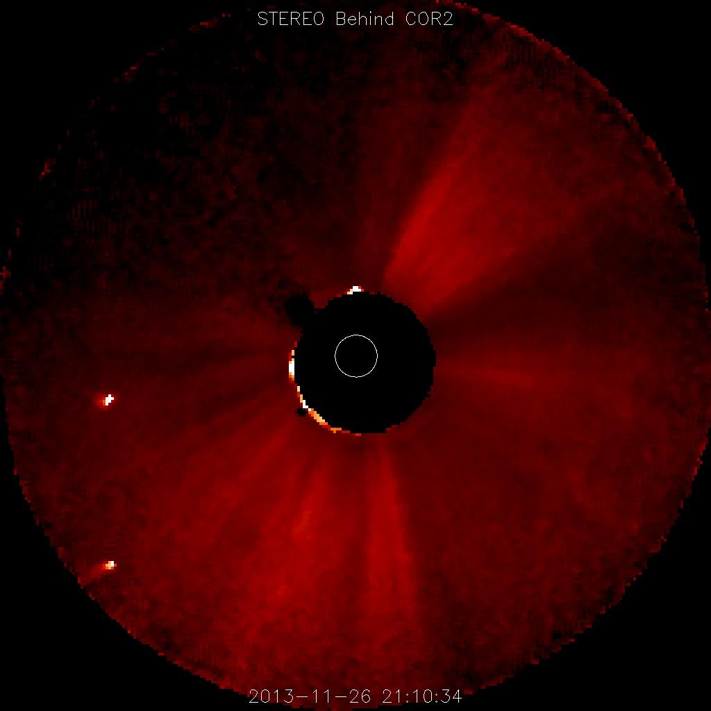 Komet Ison 26.11.2013 um 22:10 MEZ, aufgenommen mit dem COR2-Instrument der Raumsonde STEREO Behind
