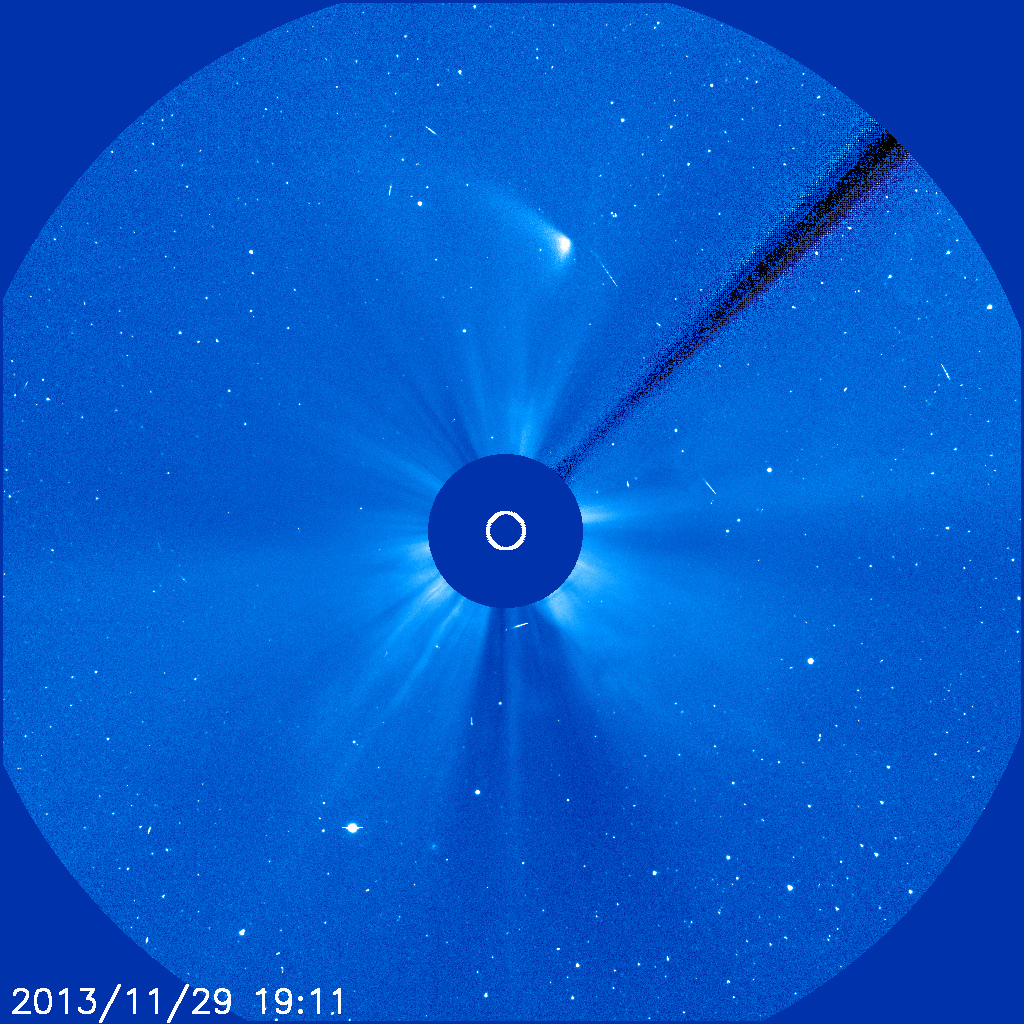 Komet Ison am 29.11.2013 um 20:11 MEZ, aufgenommen mit dem LASCO C3-Instrument der Raumsonde SOHO